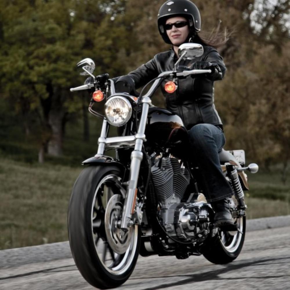 Abbigliamento moto da donna: nasce a Roma un negozio specializzato ...
