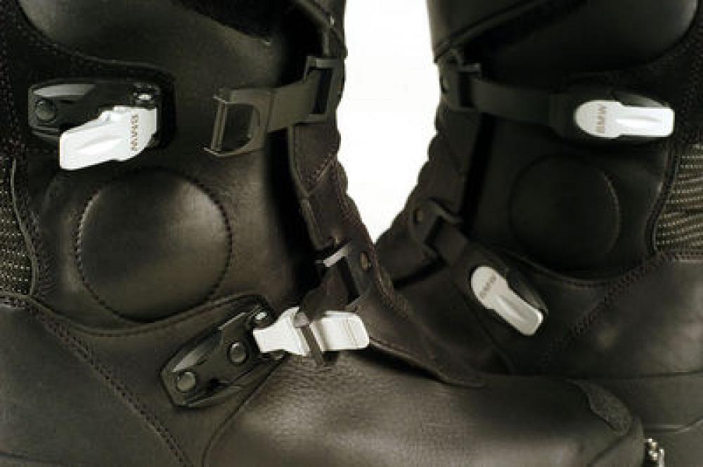 design di qualità 2a6e5 9c44b Lo stivale ibrido: come scegliere una buona protezione ...