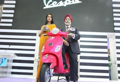 Vespa LX 125: presentato a Delhi lo scooter indiano della Piaggio