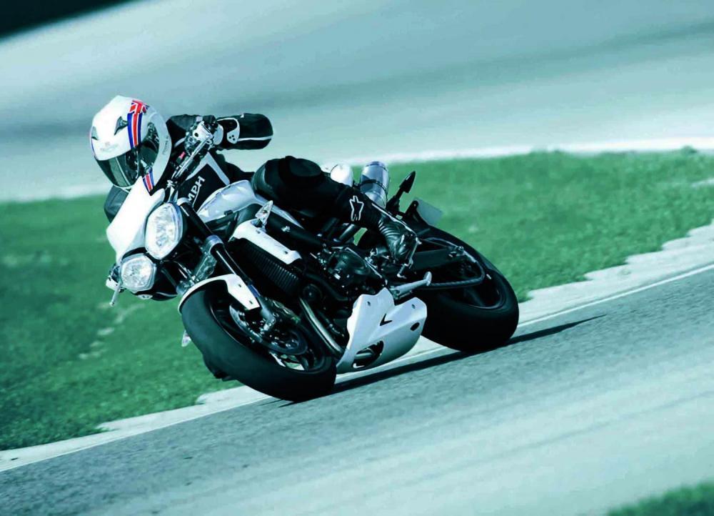 934606096 Promozione Triumph su Street Triple fino a novembre - Motociclismo