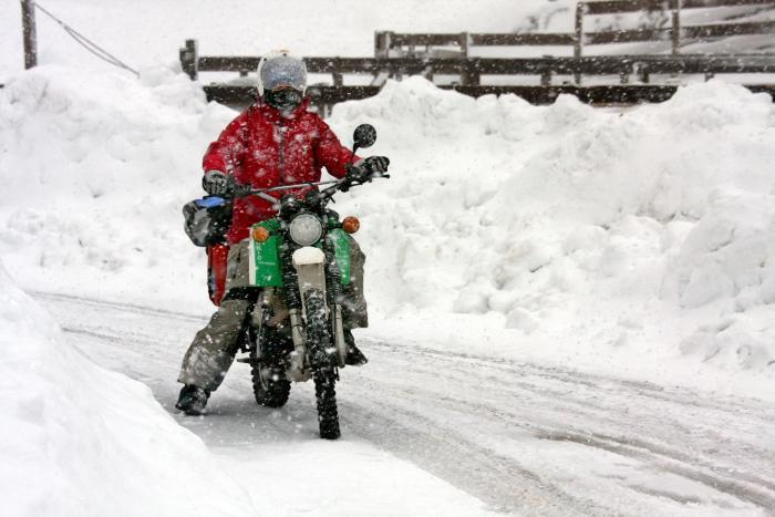Pantoloni moto motociclista da uomo impermeabile nero protezioni tessuto cordura pelle