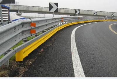 Guardrail assassini: primi passi verso la sicurezza dei motociclisti