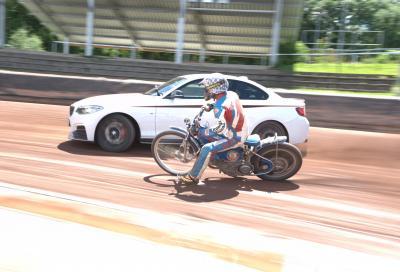 Speedway & drift a 2 e 4 ruote: c'è anche la S 1000 RR tassellata