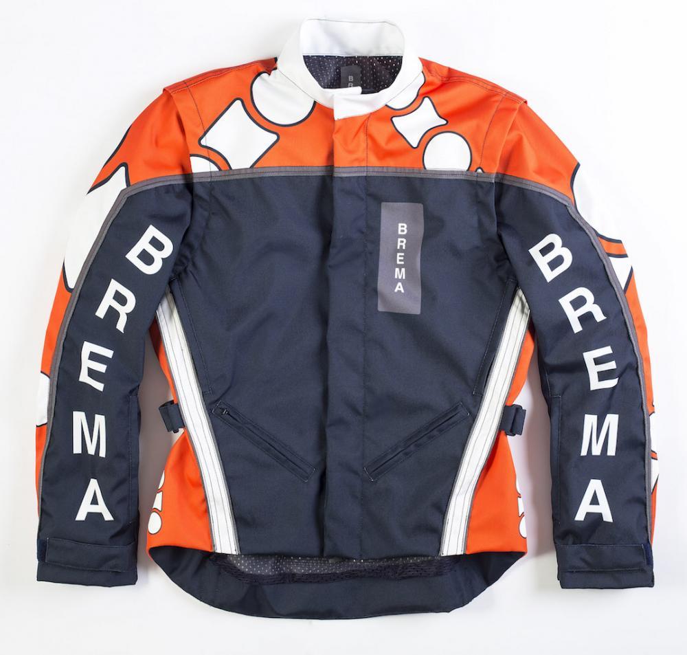 sports shoes 3d16e 38bd7 Abbigliamento: Collezione Brema 2015 per strada e ...
