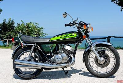 Ho guidato un mito della mia gioventù: la Kawasaki 500 Mach III