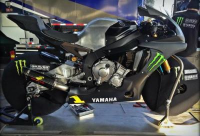 La nuova Yamaha R1 SBK in pista: sviluppo e test in 3 video