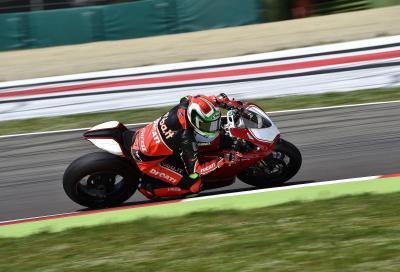 Ducati Panigale R in pista con Giugliano: il video