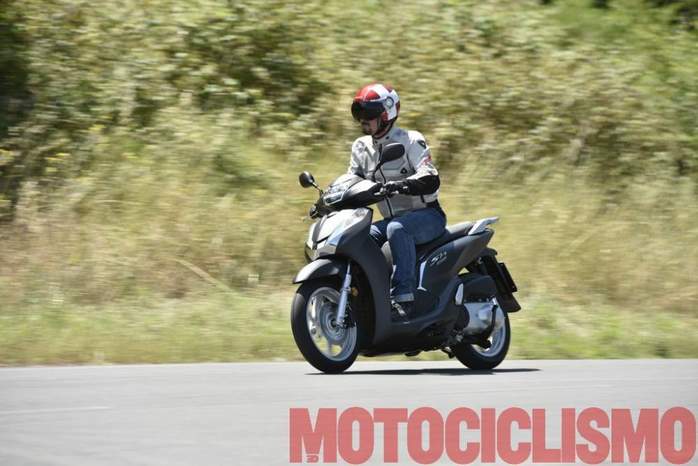 Honda Sh300i Abs 2016 Test Su Strada Motociclismo