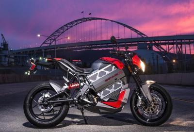 Victory presenta la sua prima moto elettrica stradale: la Empulse TT