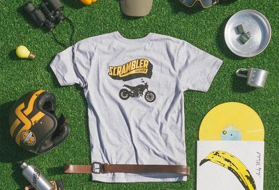 """Ducati Scrambler: accessori e abbigliamento estivo marchiati """"Land of Joy"""""""