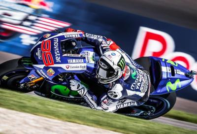 MotoGP 2015, Indy: Lorenzo 1° al venerdì, Marquez incollato, Rossi 10°