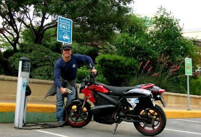 12.644 km con una moto elettrica: record mondiale!