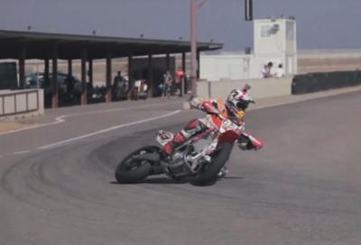 Marc Marquez si allena con il motard