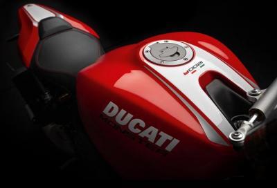 Nuova Monster 1200 R: foto e numeri della Ducati naked più potente