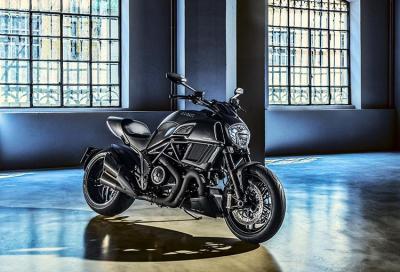 Ducati Diavel Carbon 2016: look più aggressivo