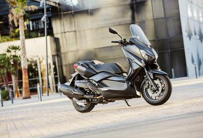Yamaha 2016: arrivano X-Max Iron Max e nuove livree per gli scooter 50
