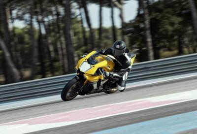 Novità Yamaha, Rossi, trapasso, patenti e ragazze: Top Of The Week