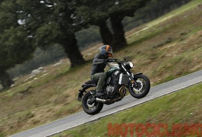 Yamaha XSR700: brillante e agile in un abito tutto nuovo