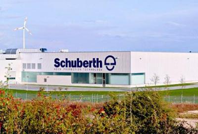 Schuberth inizia la vendita diretta in Italia