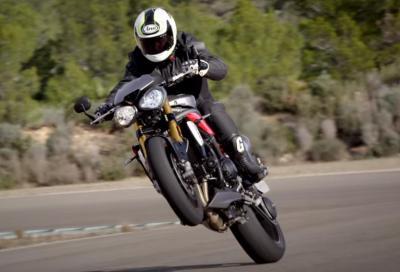La nuova Triumph Speed Triple R in video