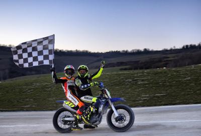 """Valentino Rossi e Luca Marini vincono la """"100 km dei Campioni"""" 2016: video highlights"""