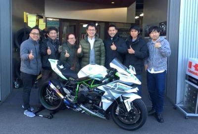 Kawasaki H2R: record di velocità e di click!