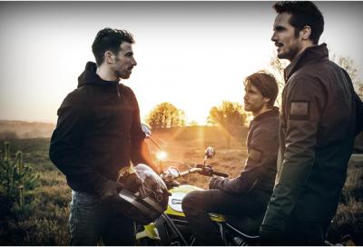 Rev'IT! reinventa l'abbigliamento da moto con uno stile insolito