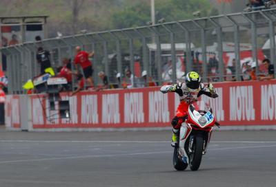 Grandissima gara! In Thailandia Cluzel vince la Supersport, poi Sofuoglu e Jacobsen