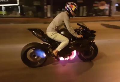 Kenan Sofuoglu: burnout e fiamme con la Kawasaki H2R