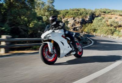 Due video ci mostrano la nuova Ducati SuperSport 2017 in azione
