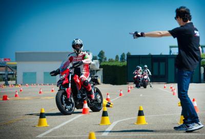 Ripartono i corsi di guida Ducati, con una novità per la sicurezza