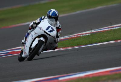 Moto3: McPhee in pole, zampata di Bulega nel finale
