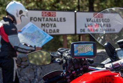 Meglio cartina o navigatore per orientarsi nei viaggi in moto?