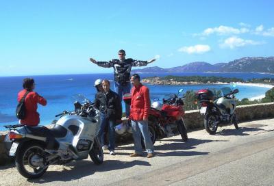 Vizi e virtù del motociclista vacanziero: quali sono?