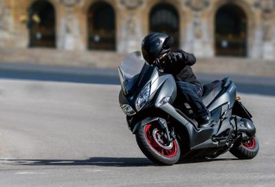 Suzuki Burgman 400: confortevole e brillante