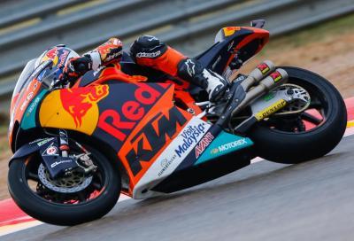 Moto2, finale caotico in Aragona: pole ad Oliveira