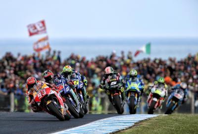 MotoGP adrenalinica in Australia: vince Marquez, 2° Rossi