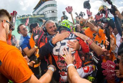 Un video KTM rende omaggio a Tony Cairoli