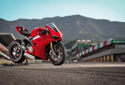 Ducati Panigale V4: la strappacarene