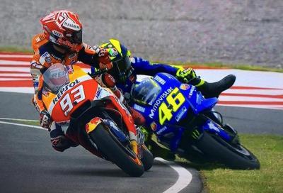 Gara matta a Rio Hondo: vince Crutchlow, Marquez esagera e abbatte Rossi
