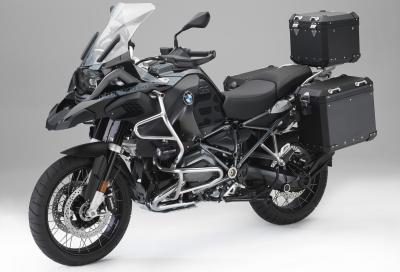 """Linea di accessori """"Editon Black"""" per le BMW R 1200 GS"""