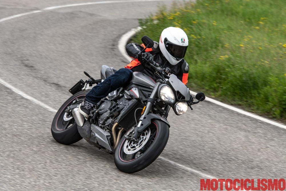 Comparativa Naked: Triumph Street Triple R y Triumph Speed
