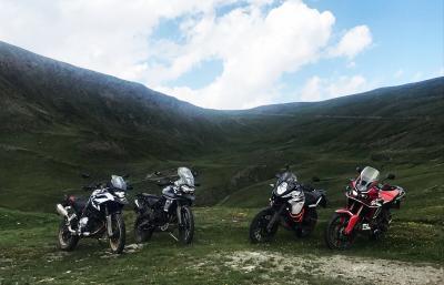 Comparativa SuperEnduro 2018: un pregio e un difetto di ogni moto