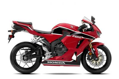 Nuova CBR600RR: 10 kg in meno per la supersport di Honda