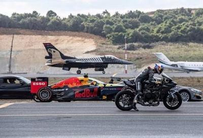 La Ninja H2 sfida una Formula 1 e un caccia F16