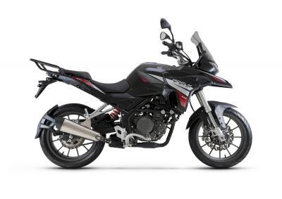 Benelli aggiorna la TRK 251 e annuncia l'arrivo della 125 cc