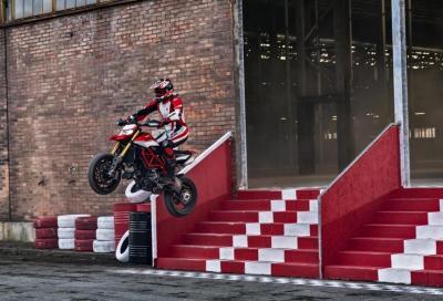 Hypermotard 950 SP: in azione con la fun bike di Ducati