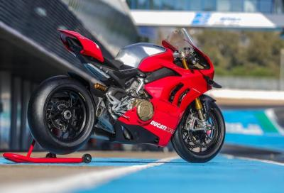 Ducati Panigale V4 R 2019: nuove foto da jerez