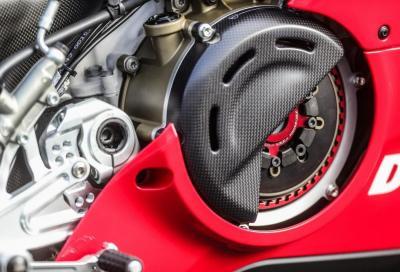 Perchè la Ducati Panigale V4 R ha la frizione a secco?