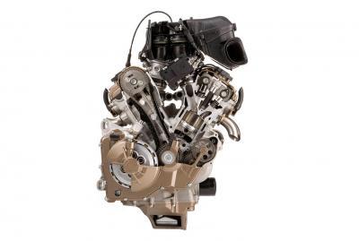 Come aumentare la potenza del motore di una moderna supersportiva?
